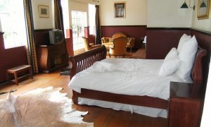 Eagles View Guest House- Bridal Suite
